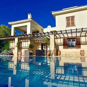 3 Bedroom Villa Diyala With Private Pool And Sea Views Aphrodite Hills Resort photos Exterior