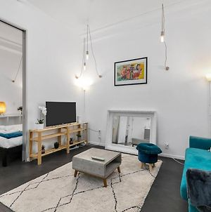 Newly-Decorated One Bedroom On Queen Street, Cbd! photos Exterior
