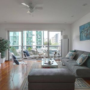 Explore The City From This Apt With Sunny Balcony photos Exterior