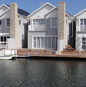 Waterside Living Can04 photos Exterior