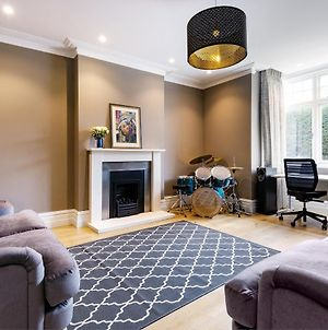 Spacious Chiswick Home With Private Terrace photos Exterior