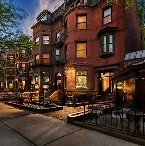 Large Stylish Newbury Street Studio W/ Kitchen photos Exterior