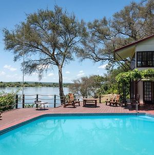 Kayube Zambezi River House photos Exterior
