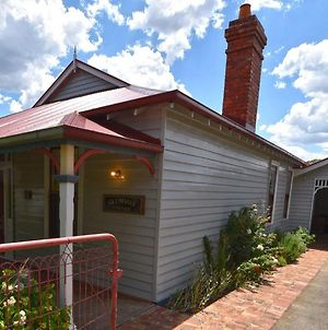 Glendale Sleeps 6 Two Toilets Right In Daylesford photos Exterior