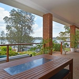 The House On The Lake @ Fishing Point, Lake Macquarie - Honestly Put The Line In And Catch Fish photos Exterior