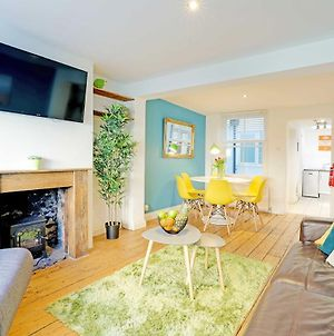 Sunny Cottage - Pretty 2 Bedroom Cottage - Roof Terrace - Near Train Station photos Exterior