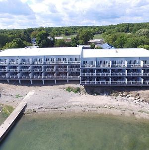 Put-In-Bay Waterfront Condo #202 photos Exterior