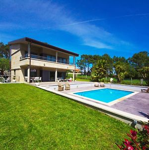 Luxurious Holiday Home With Swimming Pool At Sanxeno Galicia photos Exterior