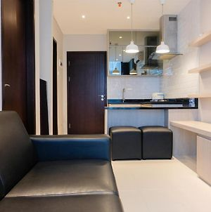 Chic 1Br Brooklyn Apartment Near Ikea Alam Sutera By Travelio photos Exterior