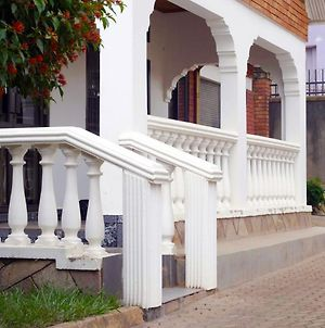 Kampala Kiwatule Comfy Holiday Home photos Exterior
