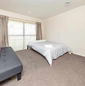 Easy To Airport 6Km, Also Not Far To Cbd 15Km photos Exterior