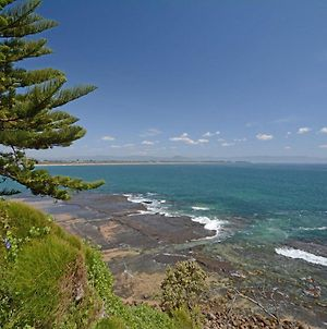 Whale Watch Hilltop Cottage @ With Killer Culburra Beach Views photos Exterior
