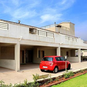 Tripvil Two 3Bhk & Two 4Bhk With Private Pool Each photos Exterior