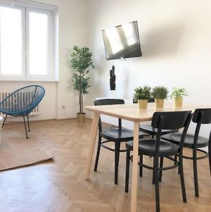 Bright, Lovely And Quiet Apartment At The Heart Of Vienna, Nachmarkt, City Center photos Exterior