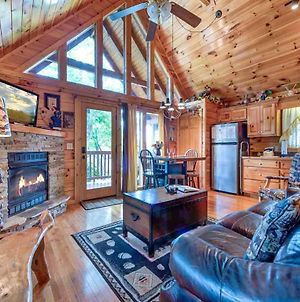 Artistic Mountain, 2 Bedrooms, Sleeps 8, Hot Tub, Mtn View, Jetted Tub photos Exterior