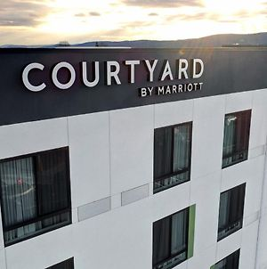 Courtyard By Marriott Southington photos Exterior
