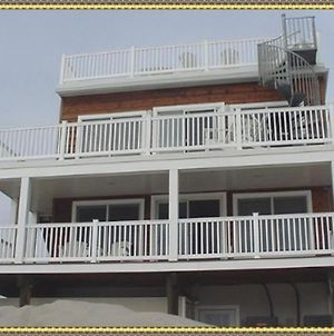 Brant Beach Ocean Front 1St Floor Duplex With Covered Deck Relax Get Out Of The Sun Enjoy The Beautiful Ocean Breeze And Ocea Views 107603 photos Exterior