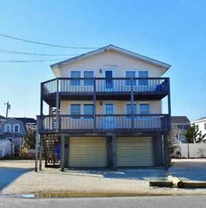 Ship Bottom Ocean Block 1St Floor Duplex. Pet Friendly Close To Beach, Shops, Dining And Attractions 134782 photos Exterior