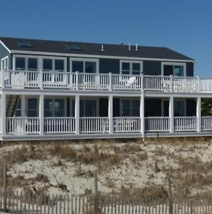 Spectacular Views! Newly Renovated Ocean Front 2Nd Fl Duplex. Expansive Deck, Much Larger Than The A photos Exterior