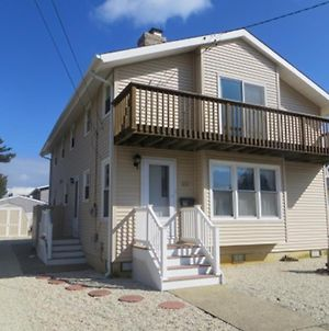 Brant Beach Oceanside Home With A Short Walk To The Beach. Get A Peek Of The Ocean/Bay Views Fro The photos Exterior