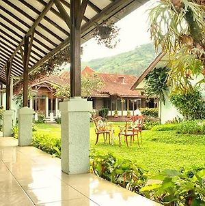 Tujuh Bidadari Holiday Home photos Exterior