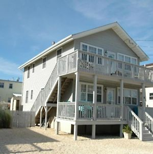 Pet Friendly 1St Fl Condo Brant Beach. Close To The Beach Totally Renovated In 2013 With A Fenced In Yard 114556 photos Exterior