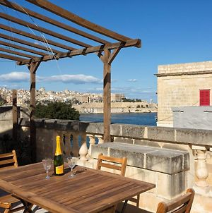 Traditional Maltese Townhouse, Roof Terrace And Views photos Exterior