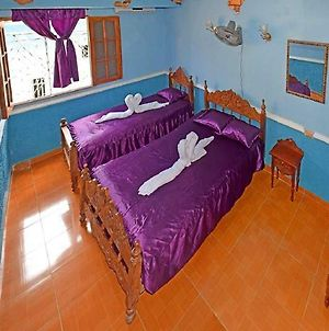 Caridad And Friends Rooms photos Exterior