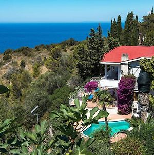 Villa Cacciarella With Breathtaking Sea Views photos Exterior