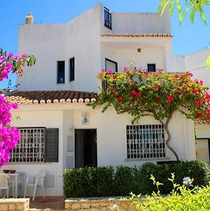 Vale Do Lobo Villa Sleeps 6 T607918 photos Exterior
