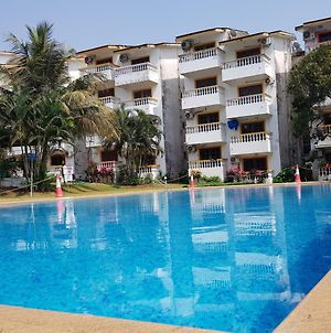 1 Bedroom Pool View Apartments In Candolim photos Exterior