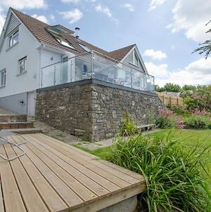 Rooftops Braunton | 4 Bed / Sleeps 8 | Beautiful Views photos Exterior