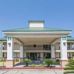 Super 8 By Wyndham Slidell photos Exterior