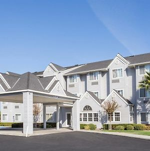 Microtel Inn & Suites By Wyndham Modesto Ceres photos Exterior