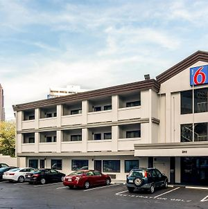 Motel 6 Atlanta Downtown photos Exterior