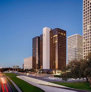 Doubletree By Hilton Hotel Houston - Greenway Plaza photos Exterior