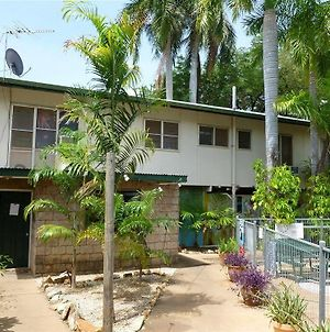 Palm Court Budget Motel Hostel Backpackers photos Exterior
