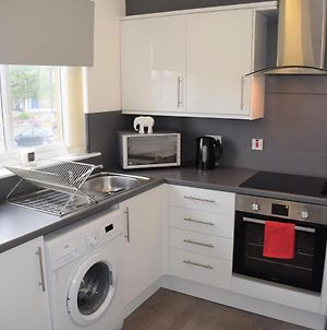 Kelpies Serviced Apartments Alexander- 2 Bedrooms photos Exterior