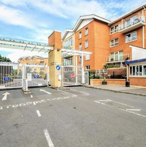 Vh Lush Gated Cardiff Flat With Fastwifi And Parking photos Exterior