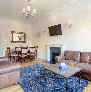 Traditional 2 Bedroom Flat In South Kensington photos Exterior