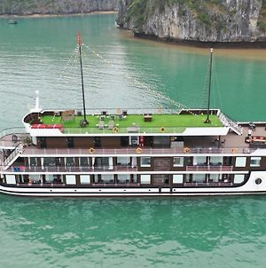 Halong Serenity Cruises photos Exterior