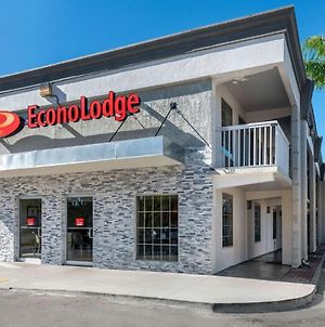 Econo Lodge At Raymond James Stadium photos Exterior