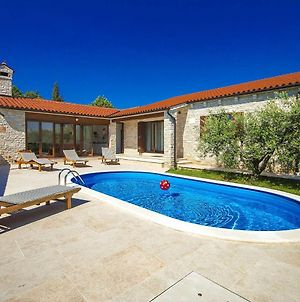 Child-Friendly Villa With Swimming Pool In Marcana photos Room