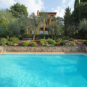 Villa Vibe Luce, Beautiful Period Villa With Private Pool And Lake View photos Exterior