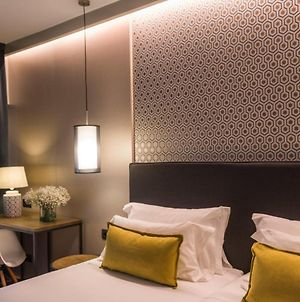 Up Rooms Vic Hotel photos Exterior