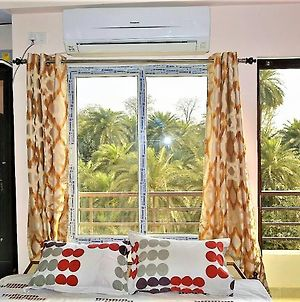 Pretty Lake View, 3Bhk Furnished Flat Near Kashi Vishwanath Temple photos Exterior