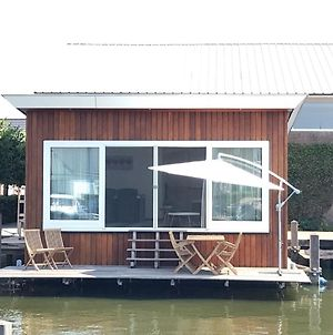 Nice Houseboat With Dishwasher, Close To Amsterdam photos Exterior