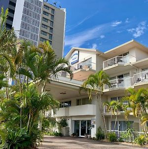 Outrigger Resort Burleigh photos Exterior