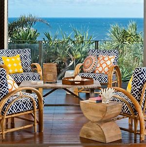 21 Ross - Luxury Beachside Holiday Home - 5 Bedrooms, Amazing Ocean Views And Breezes. photos Exterior