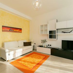 The Best Rent - Lovely Studio With Balcony photos Exterior